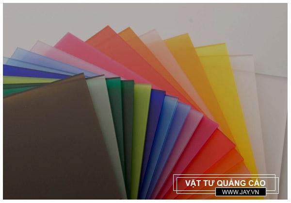 Tấm nhựa mica loại nào được sử dụng phổ biến nhất